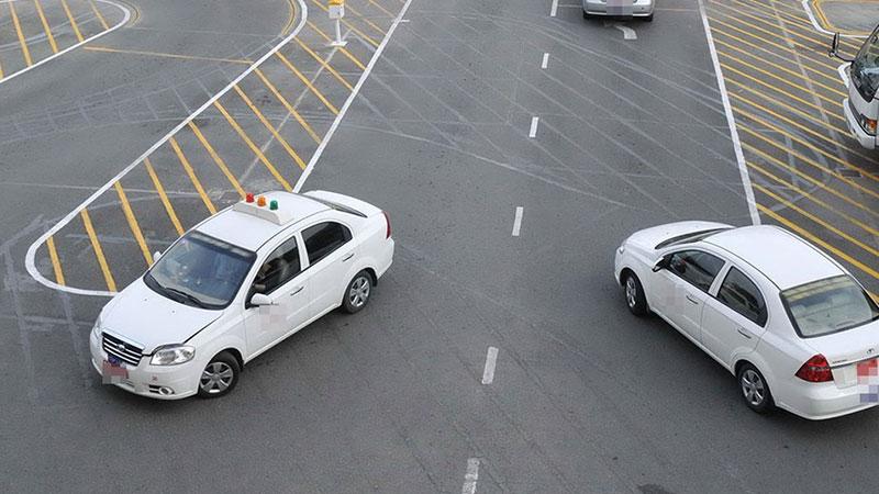 Lệ phí cần nộp đối với thi sát hạch lái xe ô tô các hạng xe