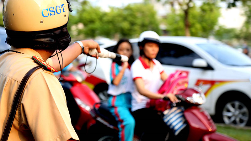 nhung-truong-hop-vuot-den-do-khong-bi-phat-hanh-chinh